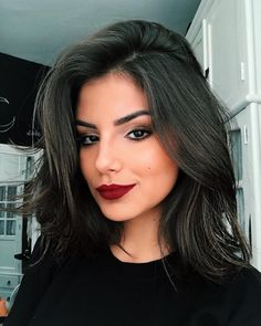 New Hair Balayage Short Dark Medium Lengths Ideas Pelo Popular, Medium Hair Styles, Curly Hair Styles, Corte Y Color, Elegantes Outfit, Short Bob Hairstyles, Casual Hairstyles, Fringe Hairstyles, Fancy Hairstyles