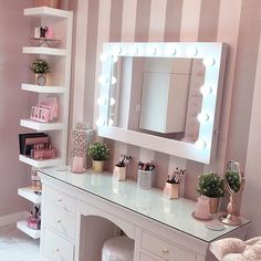 I've been spotting some fantastic DIY vanity mirror recently. Here are 17 ideas of DIY vanity mirror to beautify your room Bedroom Decor For Teen Girls, Girl Bedroom Designs, Room Ideas Bedroom, Diy Home Decor Bedroom Girl, Pink Bathroom Decor, Girl Bedroom Walls, Girl Bedrooms, Dream Bedroom, Dressing Table Decor