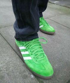 Apple green Spezials on feet on the street Adidas Og, Adidas Retro, Adidas Sneakers, Adidas Spezial, Football Casuals, Adidas Gazelle, Cool Kids, Adidas Originals, Trainers