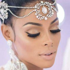 #KAOIR Lipstick Worn for the Wedding: #TakeItOffLipPop - Click Bio Link . www.kaoir.com MUA: @missangiemar Hair: @harold_xxv Diamond earings: @diamondclubmiami #KAOIR