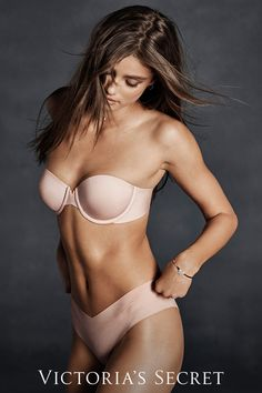 75ca2dc2385ca Feels like nothing. Goes with anything. The new non-slip strapless bra.