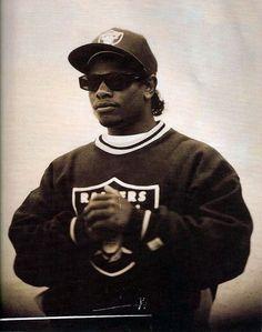 Eric Eazy E Wright Funeral 26773 Usbdata