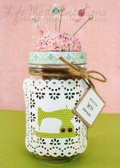 top dog dies -- mason jar sewing kit