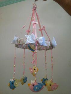 Móbile Artesanal Passarinhos Para Berço Bebê Criança - R$ 119,90 no MercadoLivre