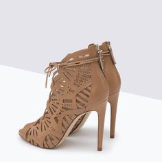 Image 3 of CAGE LEATHER SANDAL from Zara