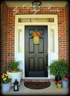 Resultado de imagen para best front door color for orange brick house Black Front Doors, Front Door Colors, Front Door Decor, Orange Brick Houses, Red Bricks, Small Front Porches, Front Porch Design, Porch Designs, Front Porch Makeover