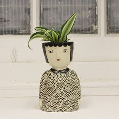 Kinska's Ceramics Celebrate the Quirkiness of Face Pots Face Planters, Ceramic Planters, Planter Pots, Ceramic Pottery, Ceramic Art, Pottery Classes, Clay Projects, Flower Pots, Creations