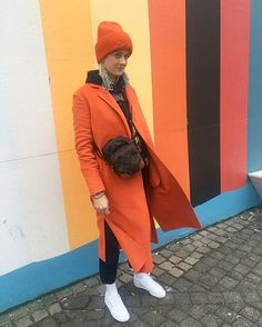 🍊 is the new black #2 @marianne_theodorsen 🖤#hangwithholzweiler #cphfw