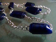 http://recicladocreativo.com/ Cómo hacer bisutería con botellas de plástico - How to make jewelry with recycled plastic bottles Collar y pendientes realizado...