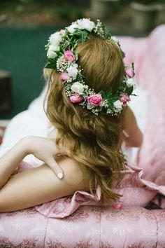 that flower tiara Flowers In Hair, Wedding Flowers, Romantic Flowers, Beautiful Flowers, Flower Tiara, Flower Crowns, Pink Rose Flower, Flower Girls, Pink Roses