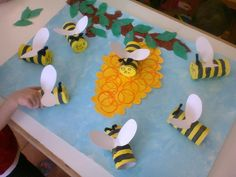 by Maria Dragasia Preschool Arts And Crafts, Art Activities For Kids, Spring Activities, Crafts For Kids, Insect Crafts, Bug Crafts, Candy Crafts, Bees For Kids, Working Bee