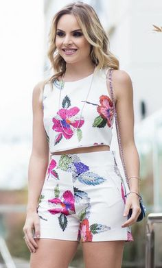 Os 5 looks mais curtidos da semana Cute Summer Outfits, Short Outfits, Chic Outfits, Girl Outfits, Fashion Outfits, Womens Fashion, Nice Dresses, Casual Dresses, Look Con Short
