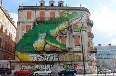 Crocodile street art in Lisbon, Portugal