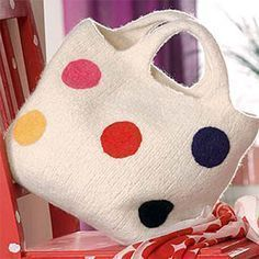 Already felted? From our Wash + Felt-it! can make great bags with stripes, applications or felted motifs. Simply crochet with the felt wool, knit. Simply Crochet, Craft Bags, Wool Felt, Free Pattern, Diy And Crafts, Coin Purse, Tote Bag, Purses, Knitting