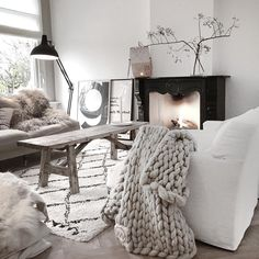 Coziness on a grey November day..♡ / @quellejoy
