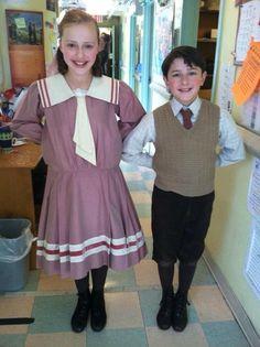 mary poppins jane and michael original movie Jane Mary Poppins, Mary Poppins Theatre, Mary Poppins 2018, Mary Poppins Broadway, Mary Poppins Musical, Broadway Costumes, Theatre Costumes, Cool Costumes, Costume Ideas