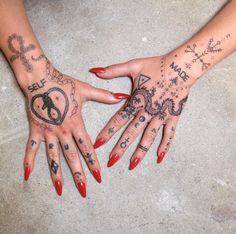 🌸 Ankh : snake : barbed wire : dragon : wrist + finger adornments in different stages of healing on the lovely 🌸… Dope Tattoos, Mini Tattoos, Funky Tattoos, Pretty Tattoos, Body Art Tattoos, Small Tattoos, Tatoos, Buddha Tattoos, Leg Tattoos