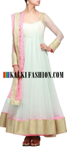 That lovely baby pink dupatta and white anarkali ♥ Indian Anarkali, Pakistani Dresses, Indian Dresses, Indian Outfits, White Anarkali, Indian Clothes, Indian Party Wear, Indian Bridal Wear, Indian Wear