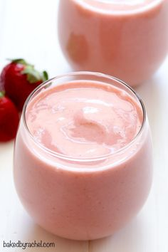 Splendid Smoothie Recipes for a Healthy and Delicious Meal Ideas. Amazing Smoothie Recipes for a Healthy and Delicious Meal Ideas. Strawberry Pineapple Smoothie, Pineapple Smoothie Recipes, Smoothie Fruit, Smoothie Detox, Yummy Smoothies, Breakfast Smoothies, Smoothie Drinks, Yummy Drinks, Healthy Drinks