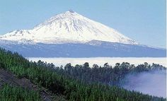 He is the King of the 7 Canarian Islands.El Teide in Tenerife.I come from that Island La Palma Travel, Places To Travel, Places To Visit, Short Break, Island Beach, Canary Islands, Cool Landscapes, Stunning View, Nature