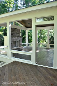 Back Porch ideas and photos to inspire your next home decor project or remodel. Check out Back Porch Decks photo galleries full of ideas for your home, apartment or office. Back Patio, Backyard Patio, Small Patio, Outdoor Rooms, Outdoor Living, Outdoor Patios, Outdoor Kitchens, Casas Containers, Decks And Porches