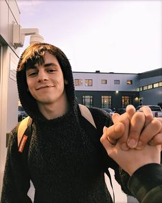 Shared by 𝓐𝓻𝓲𝓪. Find images and videos about ross lynch and caos on We Heart It - the app to get lost in what you love.