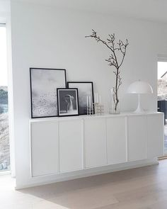 Ta naturen inn #magnolia#scandinaviandesign#scandinaviskehjem#montana#montanafurniture#sjenk#vegghengt#desenio#pictures#bilder#lampe#louisepoulsen#pantellalampe#pantella#stoffnagel#stoffstake#nordicminimalism#nordiskerom#nordiskdesign#nordiskehjem#whiteinterior#interior123#interior4all#interiors#indesignshop#room4inspo#inspiremeinterior#kopervikblomsterdesign Montana Furniture, Work Surface, Modern Kitchen Design, Home Living Room, Floating Nightstand, Ikea, Cabinet, Magnolia, Interior Design