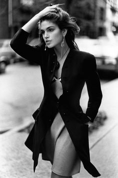 The 35 Best Brunette Beauties of All Time: From Audrey Hepburn to Penelope Cruz – Vogue - Cindy Crawford