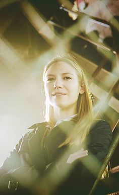Fringe - Anna Torv  I already miss fringe......