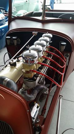 Note there are five carbs here.Most unusual. Chevy, Chevrolet, Performance Engines, Old Race Cars, Race Engines, Car Engine, Hot Cars, Concept Cars, Motor Car