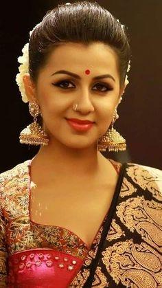 Beautiful Girl Indian, Beautiful Girl Image, Beautiful Indian Actress, Beautiful Gorgeous, Beautiful Actresses, Oscar Fashion, Fashion Week, Women's Fashion, Stylish Girl Pic