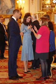 """Le prince William, duc de Cambridge, Catherine Kate Middleton (enceinte) , duchesse de Cambridge à la réception """"World mental health day"""" au palais de Buckingham à Londres le 10 octobre 2017."""