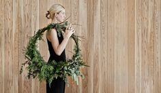 How to create your own Christmas wreath: One major component in telling the Christmas story at home is to create a huge wreath – I always make everything fresh. I also like to make a stunning green installation above the fireplace that is both strikingly beautiful to the eye and perfumes the entire home with that delicious pine scent.
