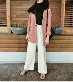 super Ideas for style hijab casual kemeja Hijab Casual, Hijab Chic, Casual Outfits, Fashion Outfits, Fashion Fashion, Trendy Fashion, Dress Fashion, Ootd Hijab, Casual Pants