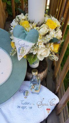 "Sara Creations - Lumanare florala botez si trusou botez personalizat, brodat manual "" Baloane cu aer cald """