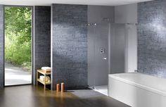 "Hit nejen do koupelny: ""Neviditelná"" sprcha! Bathroom Suppliers, Studio Paris, Modern Decor, Tall Cabinet Storage, Bathtub, Interior Design, Luxury, Inspiration, Furniture"
