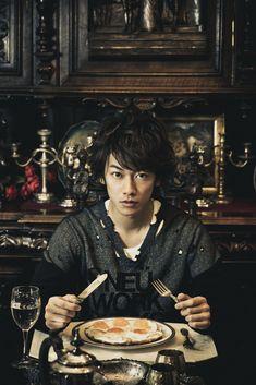 Japanese Drama, Japanese Boy, Party Characters, Takeru Sato, Rurouni Kenshin, Gackt, Actor Model, Asian Actors, Kamen Rider