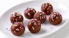 Banana Cake Balls! Saw this in my new Food Network mag and making it for Easter!!!!