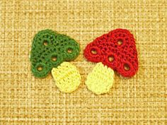 """This is a free pattern done by """" Bits and Bobbles """" and all the steps are written down including how to make the stem and the leaf. http:..."""