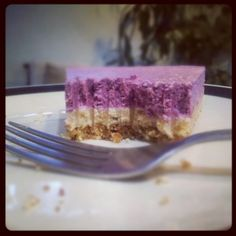 Paleo Raw Cashew Cheesecake Real Food Recipes, Dessert Recipes, Yummy Food, Cashew Cheesecake, Raw Cashews, Nut Allergies, Vegan Sweets, Just Desserts, Amazing Cakes