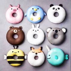 Donuts are fried sweets made with flour, white sugar, butter and eggs. Donuts are one of the favorite foods of American nationals. Donuts are more welcomin Delicious Donuts, Delicious Desserts, Yummy Food, Comida Disney, Disney Food, Disney Pixar, Cute Donuts, Mini Donuts, Donuts Donuts