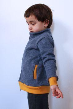 Jak ušít dětskou mikinu na zip - návod (FOREST) - Prošikulky. Knit Crochet, Sewing Patterns, Take That, Turtle Neck, Zip, Knitting, Children, Sweatshirts, Closer