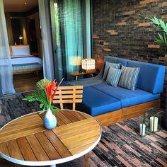 Nous avons quitté @katamama_hotel où nous avons 3 jours parfaits pour terminer notre séjour sur les jolies plages de #Padangpadang Un hôtel incroyable que je vous recommande vraiment si vous allez à #Bali #ailleursisbetter ___ #hotelroom #hoteldesign #katamama #katamamahotel #boutiquehotel #hoteldecor #roomdecor #bluelover #wheninbali #bali #besthotel #newhotel #travelplusstyle