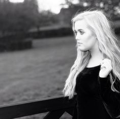 Hi I'm Lottie. Lou's younger sis. Crushing on someone I just met. So introduce?
