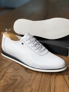 The Habel Laced Sneakers - White Lace Sneakers, Dress With Sneakers, Sneaker Dress Shoes, White Shoes Men, Mens Boots Fashion, Men's Fashion, Gentleman Shoes, Baskets, Brown Oxfords
