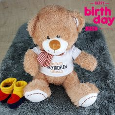 Nie wiesz jaki #prezent 🎁🎁🎁 dla dziecka 👫? A może #miś 🐻 z imieniem, przyjaciel - tym razem Olusia, ale może być każdego innego dziecka. Kupisz go tutaj ➡️➡️➡️ www.prezenty-24.pl