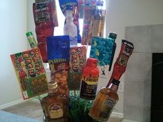 Connoisseur of Creativity: DIY Man Bouquet - Great gift! Man Bouquet, Gift Bouquet, Liquor Bouquet, Craft Gifts, Diy Gifts, Pregnancy Gift Baskets, Bountiful Baskets, Gift Baskets For Men, Diy Craft Projects
