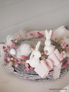 Ähnliche Artikel wie Kranz Ostern Hasen auf Etsy image a city where dreams are coming alive every minute, a loft seems the desired home. Happy Easter, Easter Bunny, Easter Eggs, Diy Spring Wreath, Diy Wreath, Diy Monogram, Easter 2020, Easter Wreaths, Easter Crafts
