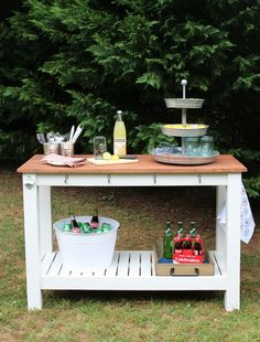 Everyone loves a good outdoor buffet! We sharing our easy plans for you to build your own Pottery Barn inspired outdoor buffet! Do It Yourself Furniture, Do It Yourself Home, Diy Furniture, Outdoor Furniture Sets, Furniture Design, Furniture Refinishing, Garden Furniture, Modern Farmhouse Decor, Rustic Decor