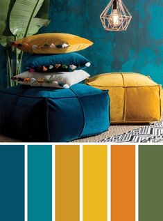 ▷ 1001 + secrets pour réussir la déco jaune moutarde idea what color to associate with navy blue, ethnic decoration in a living room with dark blue walls with mustard yellow accessories Good Living Room Colors, Living Room Color Schemes, Blue Color Schemes, Peacock Color Scheme, Orange Color Palettes, Color Blue, Cores Art Deco, Mustard Living Rooms, Mustard Yellow Decor